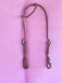 One eared bridle with quick change
